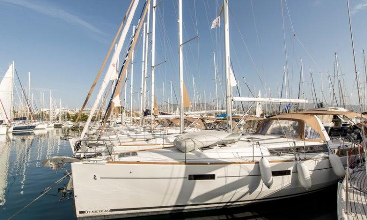sailing yachts beneteau oceanis 45 idroussa rh greekislesyachting com First Sailboats Beneteau 41 Beneteau Sailboats